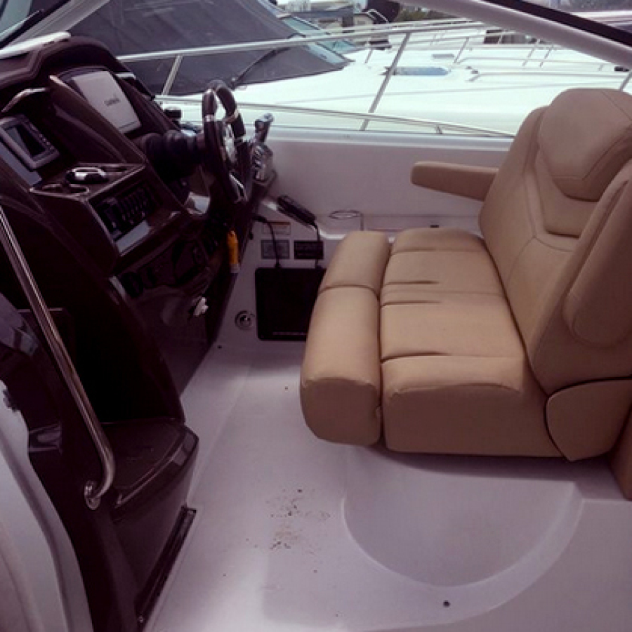 2013 Cruisers 380 Express Helm and Seating