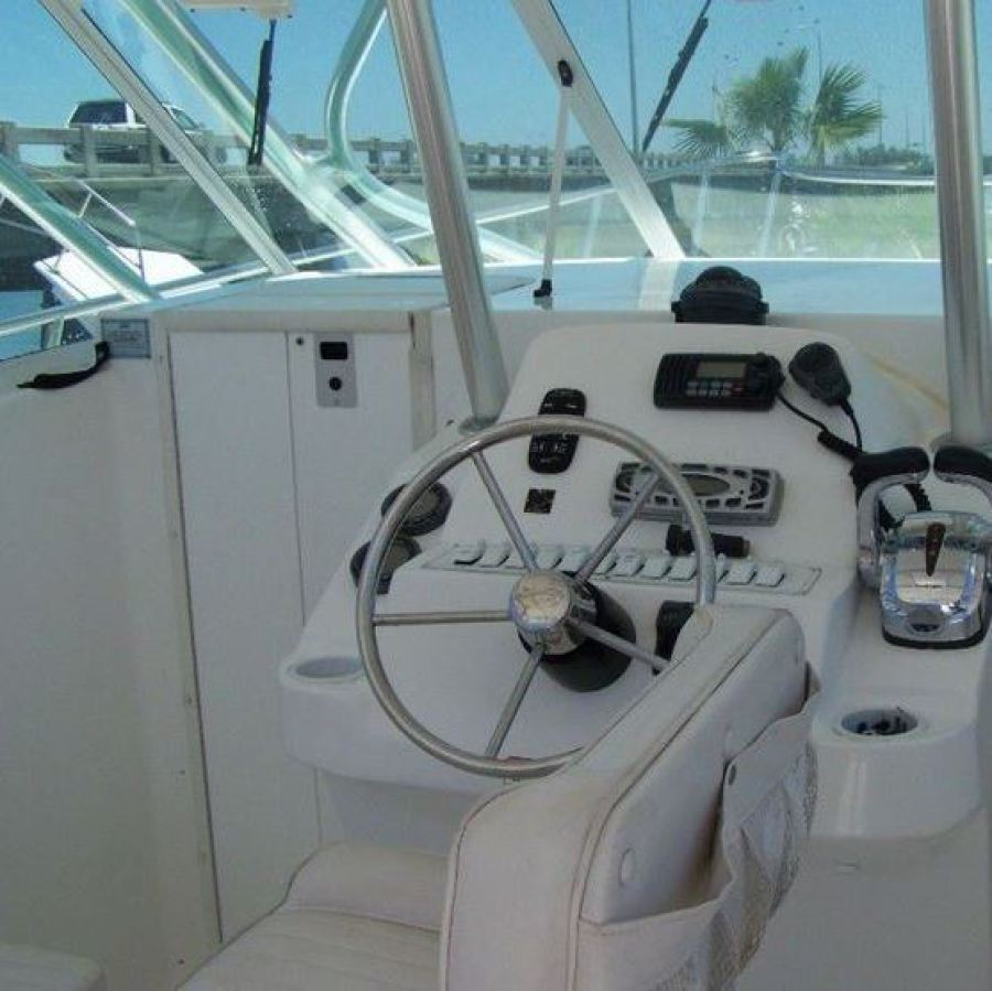 2008 Baha Cruisers 340 King Cat Cockpit & Helm