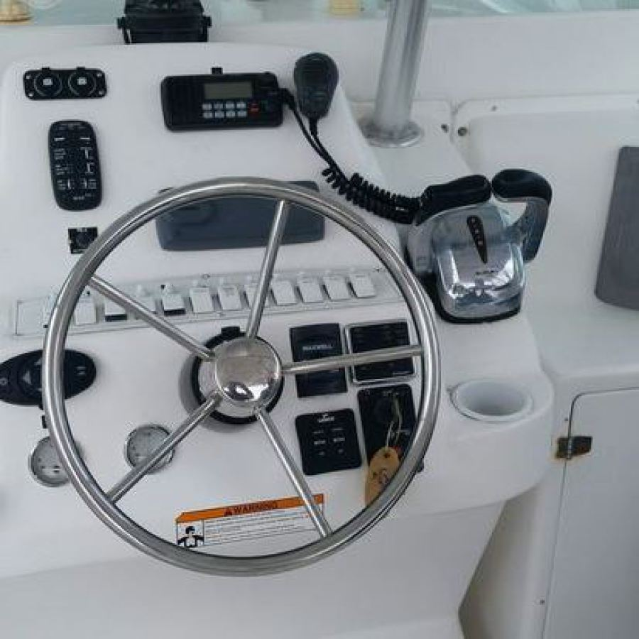 2008 Baha Cruisers 340 King Cat Helm